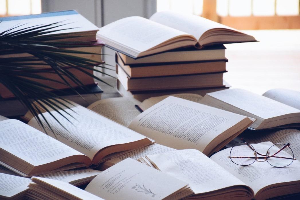 Βιβλία – Κεφάλαια σε Βιβλία